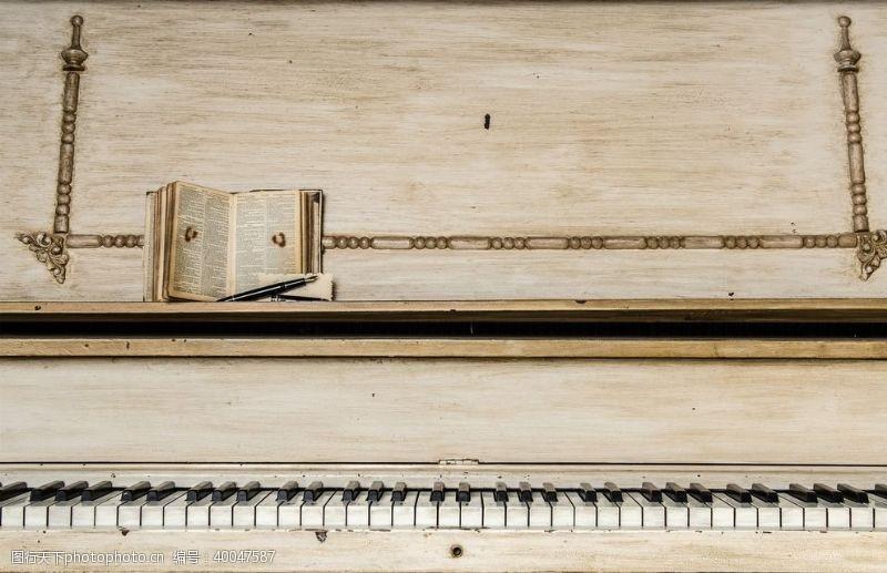 音乐与舞蹈钢琴演奏图片