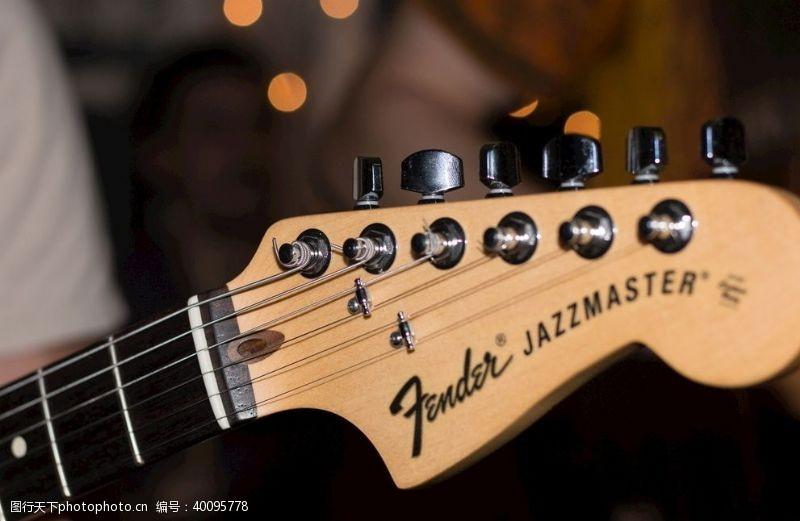 古典风格挡泥板吉他图片