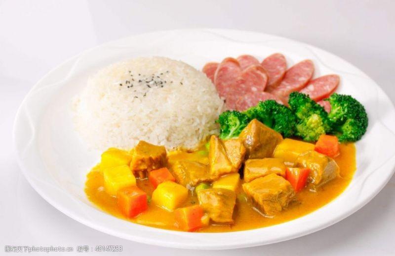 鸡排饭牛肉咖喱饭图片