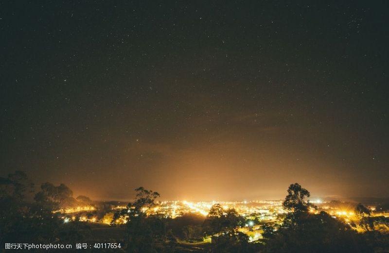 火光森林火灾图片