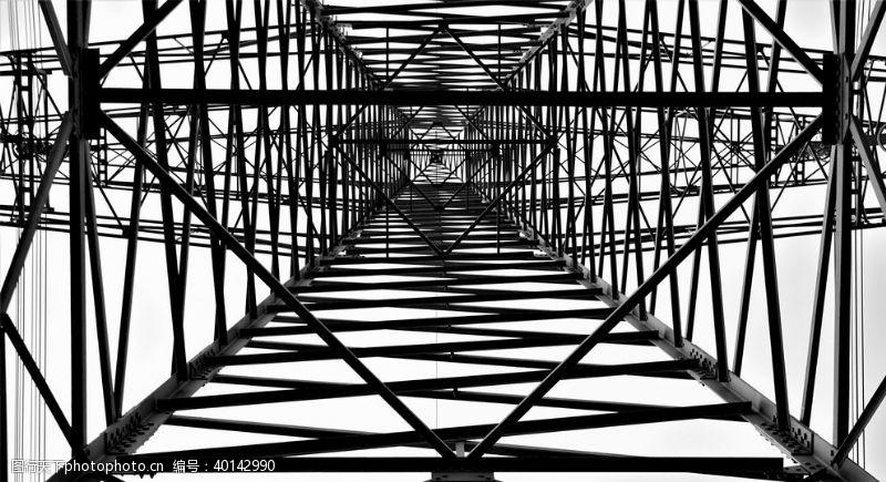 工业生产铁塔仰视图图片