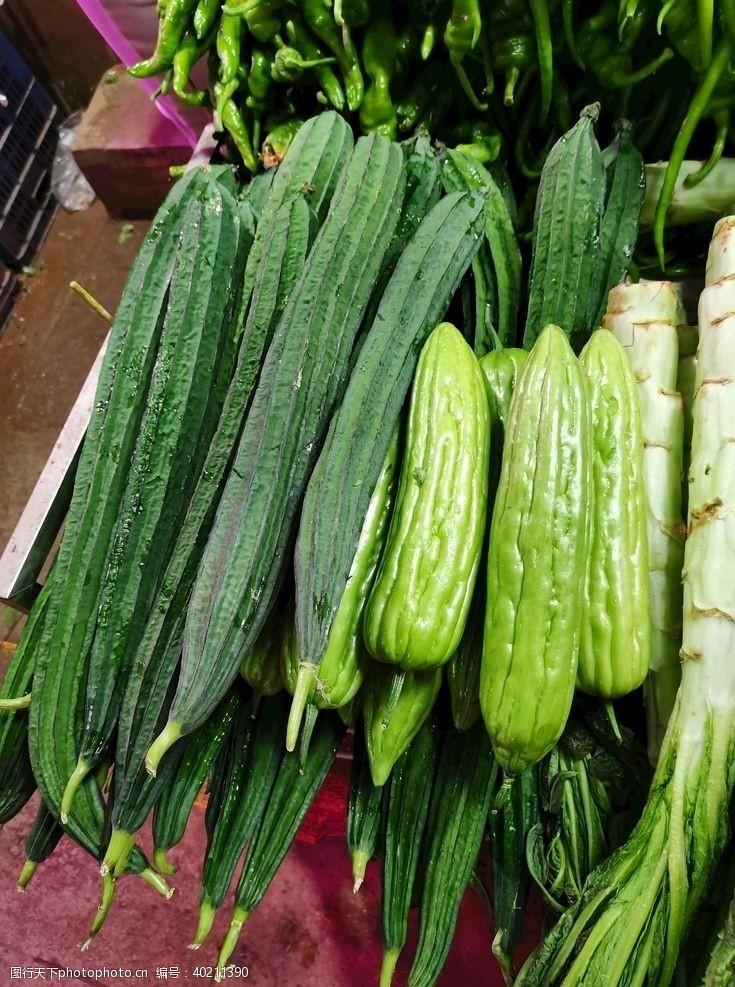 苦瓜菜市场图片