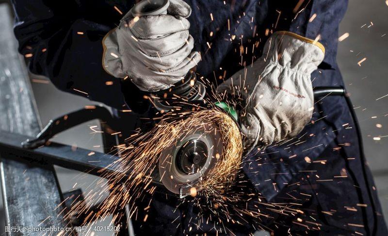 电钻角磨机火花人物工人图片