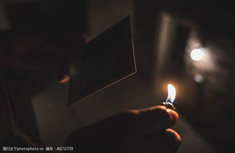 岁月打火机图片