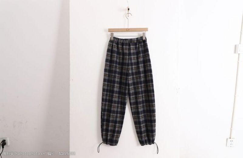 格子裤子图片