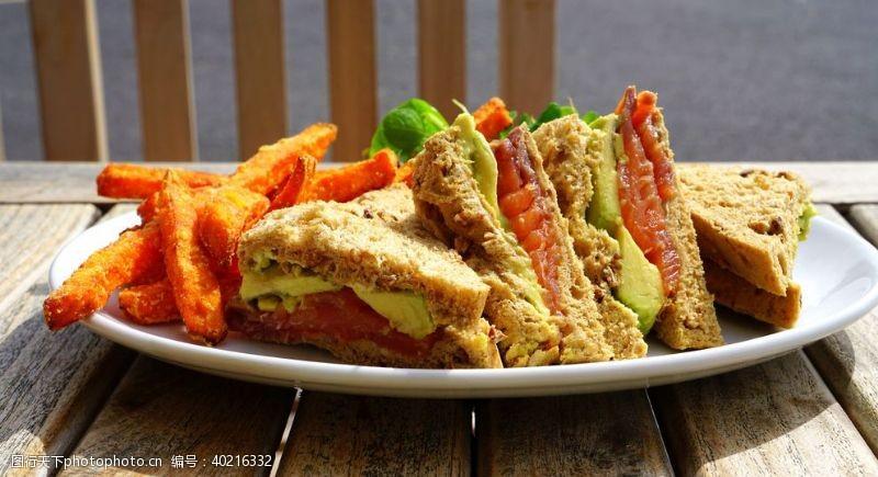 面包店三明治图片