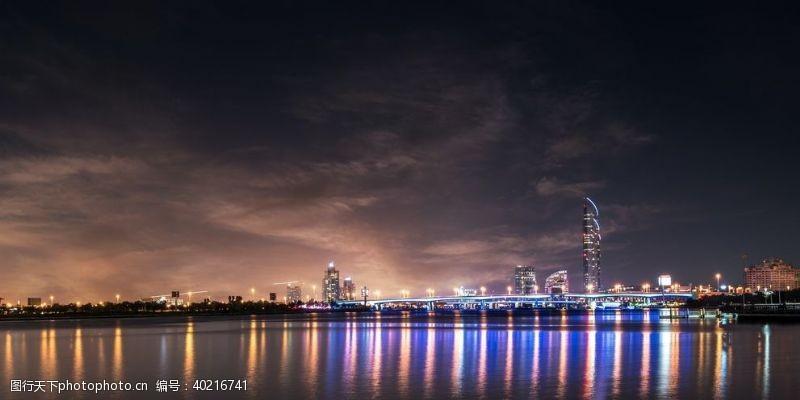 国外旅游商业都市夜景图片
