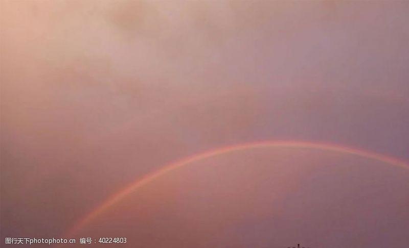 高清大图天空彩虹傍晚雨后图片