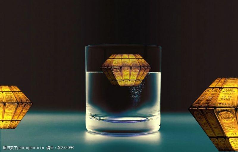 水杯金色财富概念图图片