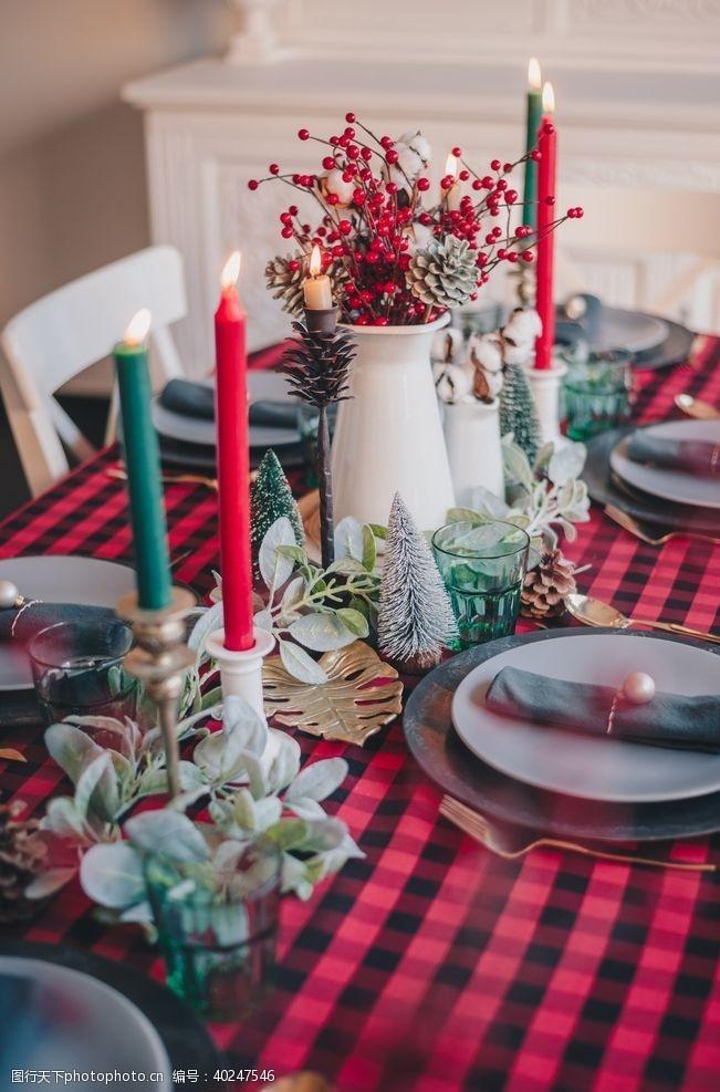 蜡烛圣诞餐桌图片