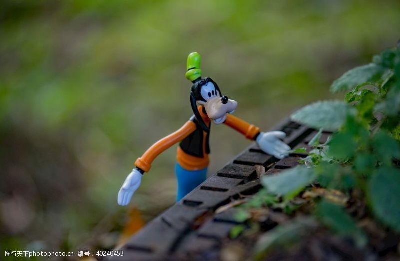 男性迪士尼秋季高飞图片