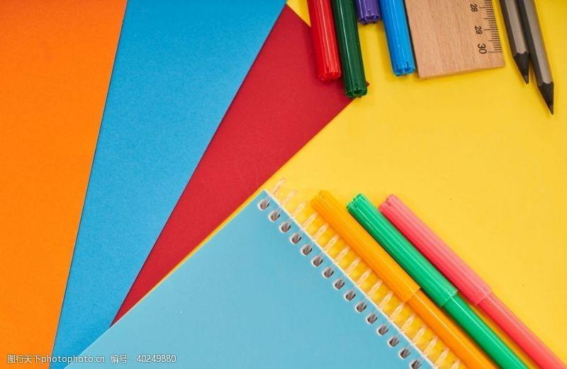 家庭教育绘画鲜明背景图片
