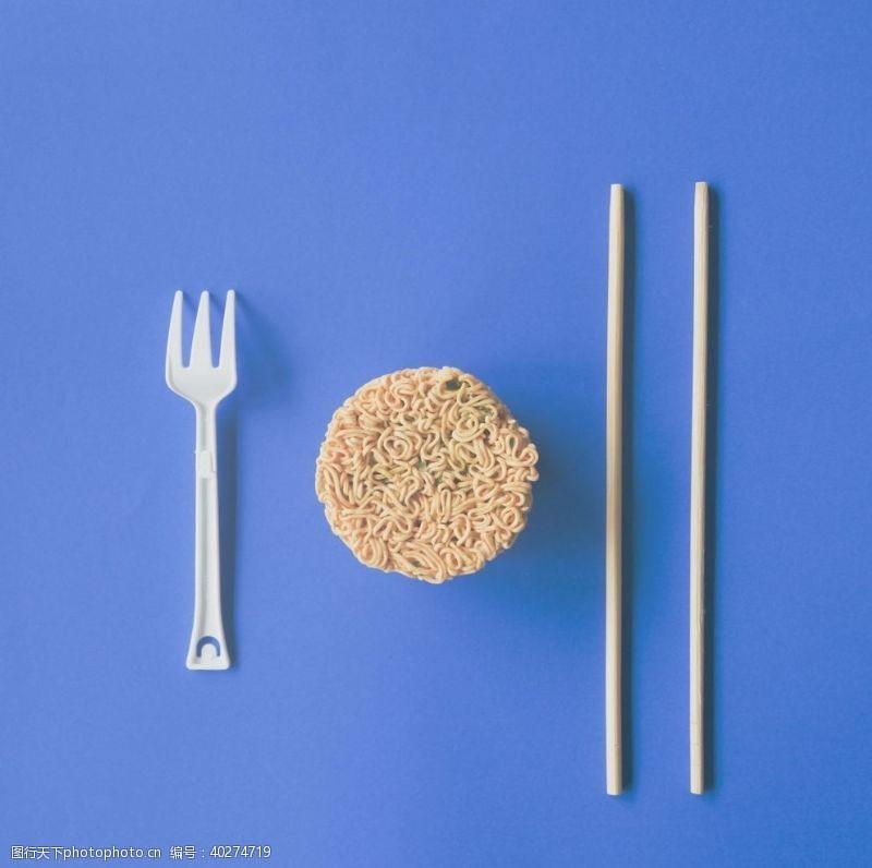 快餐方便面图片