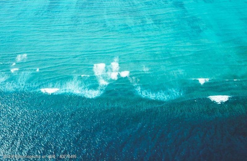 浪花海边图片