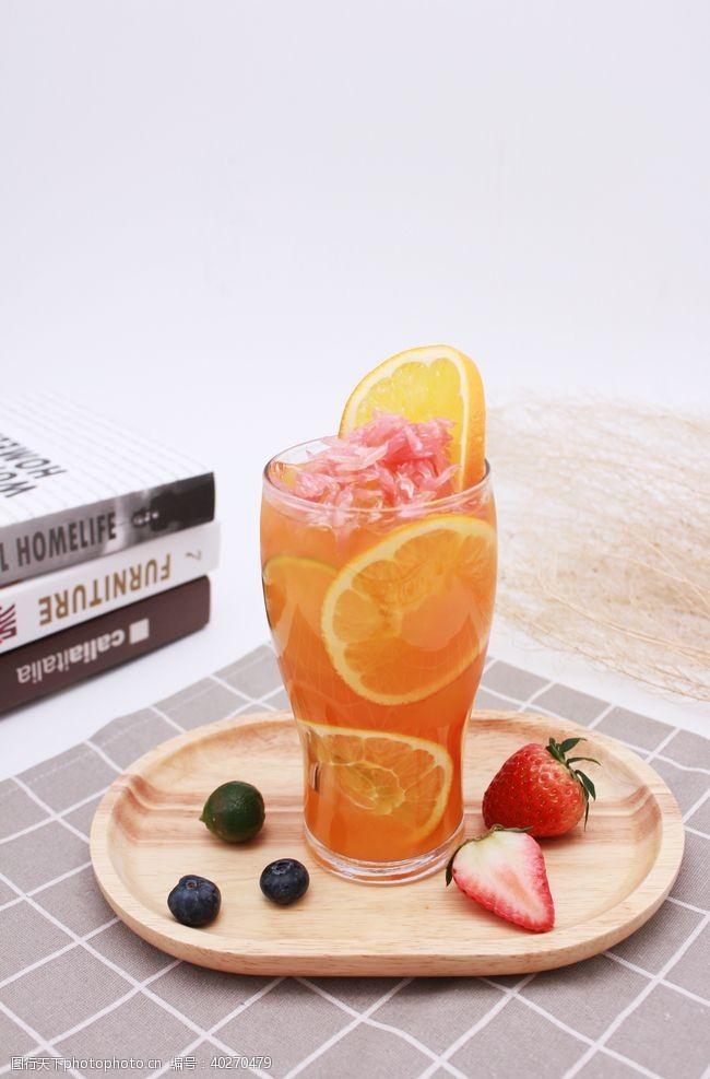 气泡满杯鲜橙橙汁图片