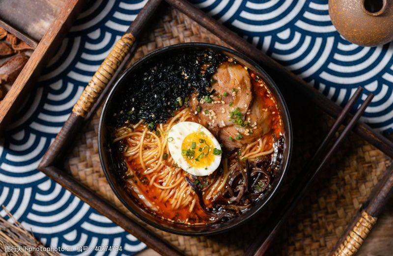 三文鱼日本料理图片