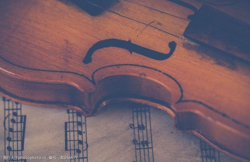 交响乐小提琴图片