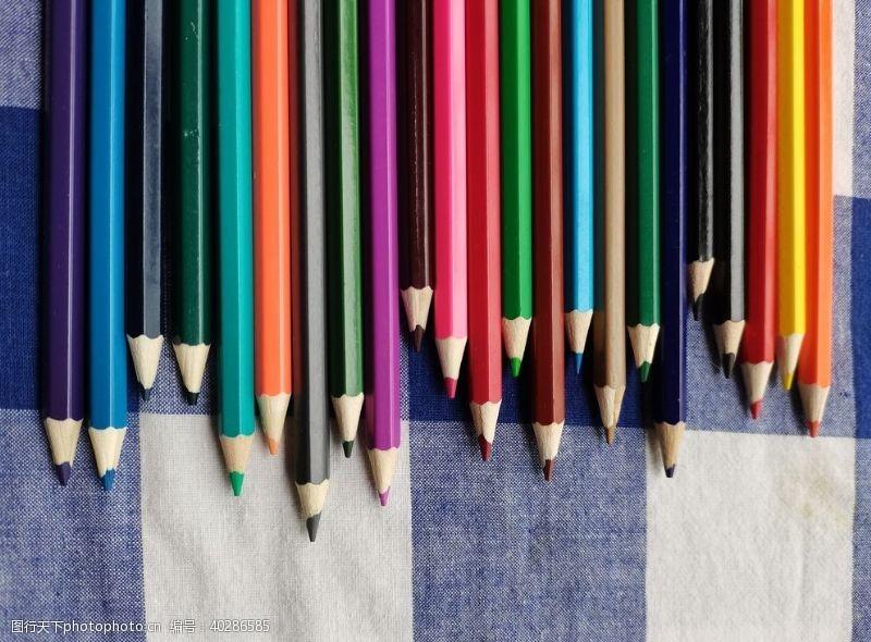 铅笔彩铅图片