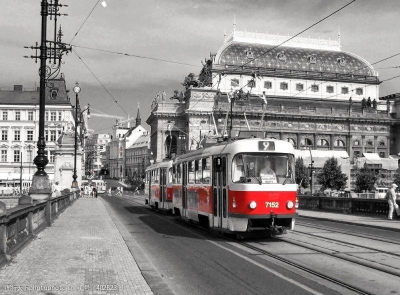 现代科技火车城市图片