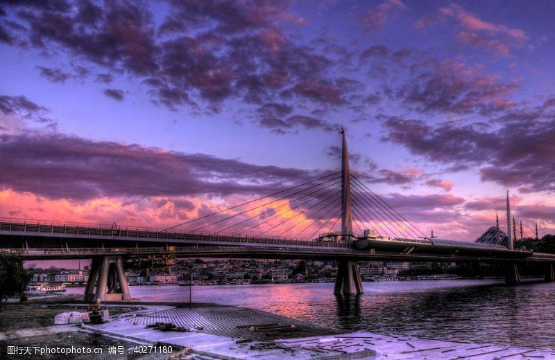 彩虹现代桥梁图片