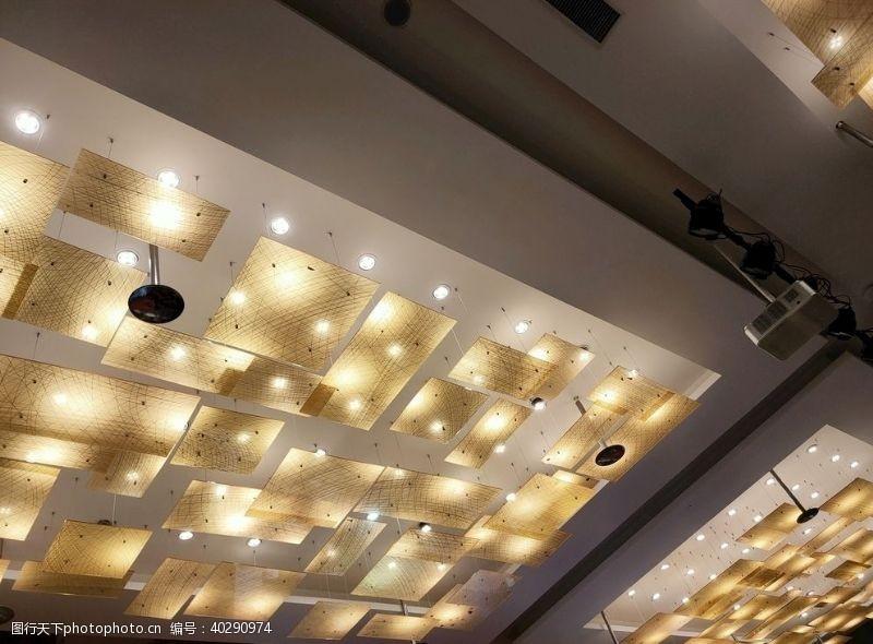 宾馆灯光图片