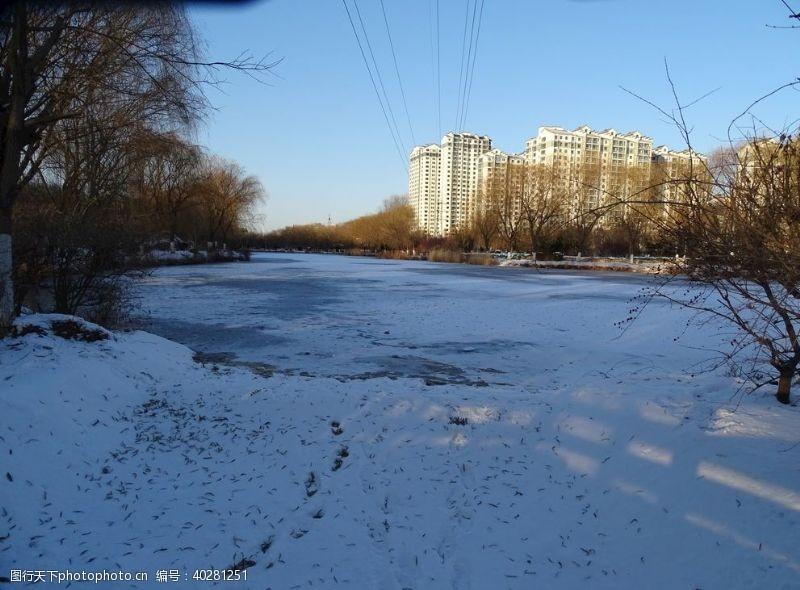 湖结冰图片