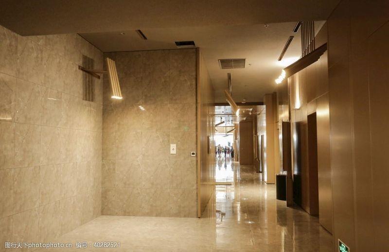 影视娱乐博纳影城江北天街店明亮的走廊图片