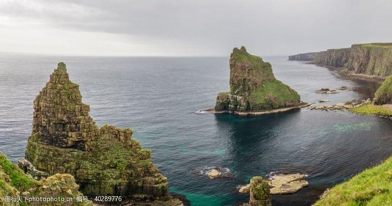大海礁石天空海水风景图片