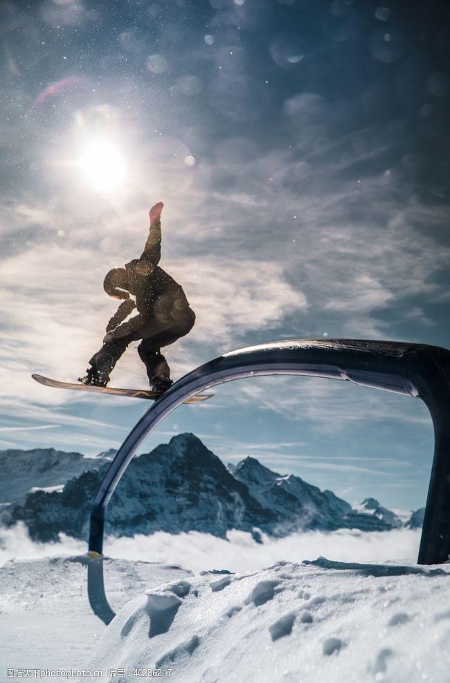 极限运动滑雪图片