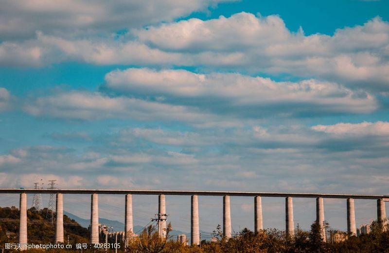 发展桥梁图片