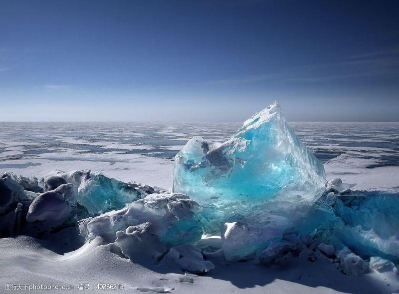 冰块雪地图片
