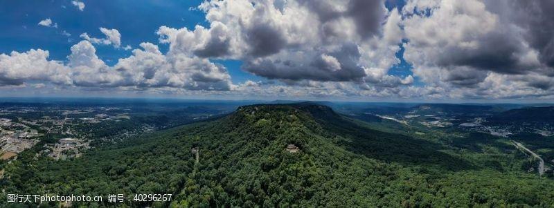 天空山脉图片