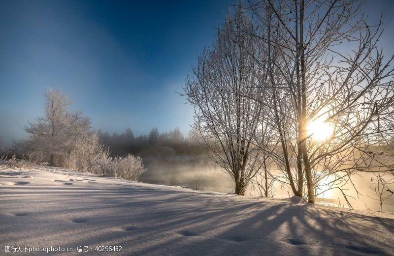 天空雪景图片